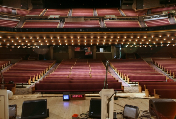 Grand Ole Opry House - find